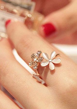 Daisy Flower Imitated Crystal Ring