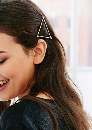 Hollow Out Triangle Hairpin