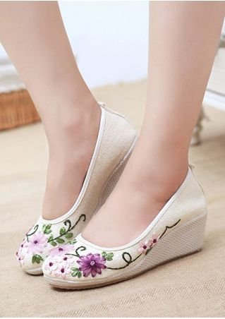 Applique Round Toe Wedges