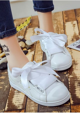 Printed Lace Up Flat Sneakers