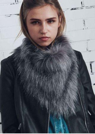 Faux Fur Triangle Warm Scarf