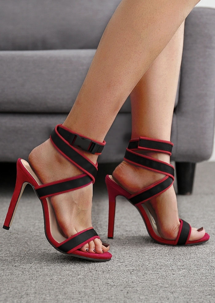 Splicing Cross Heeled Sandals