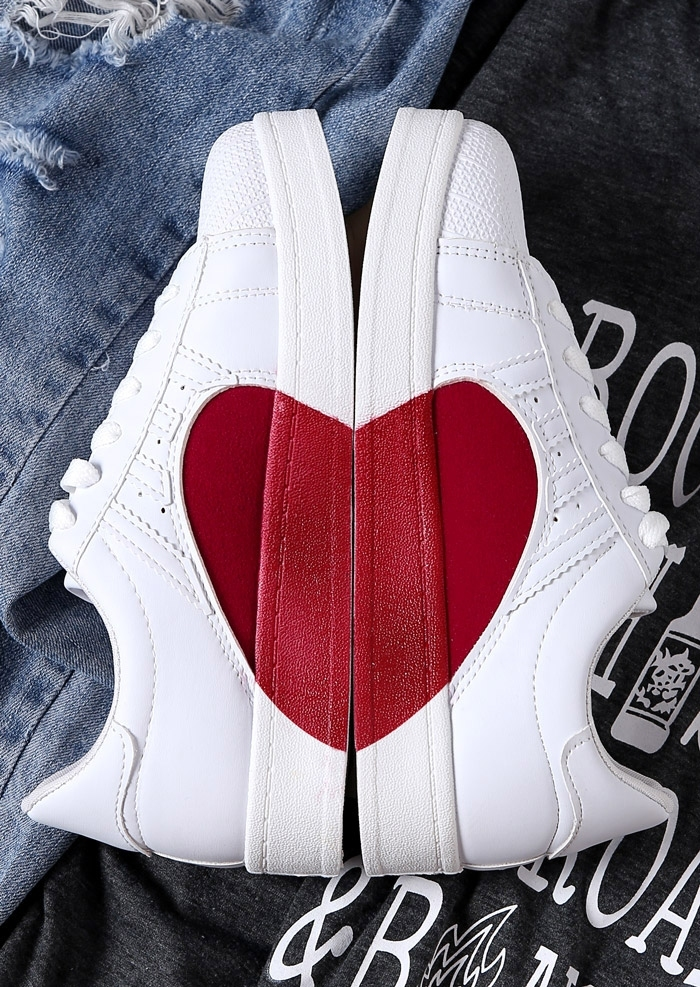 Heart Lace Up Round Toe Sneakers