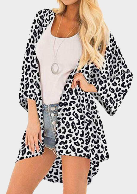 Image of Leopard Printed Cardigan without Necklace - Leopard