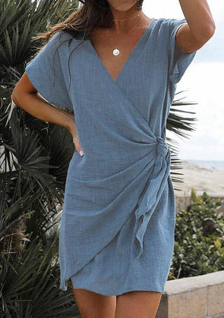 Solid Deep V-Neck Mini Dress without Necklace - Blue