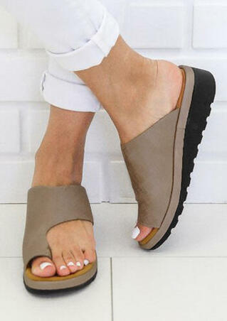 Solid Platform Flip Flop Sandals - Light Coffee