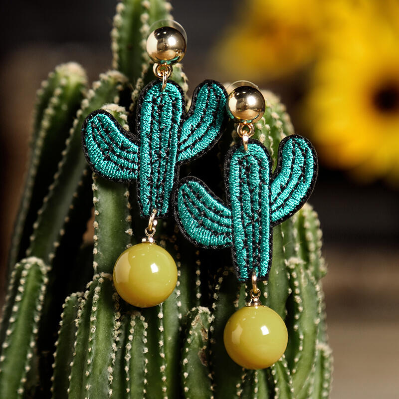 Beads_Embroidery_Cactus_Earrings