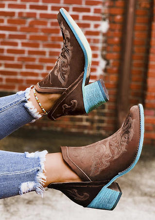 Embroidery Square Heel Vintage Boots - Brown