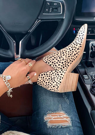 Leopard Printed Chunky Heel Pointed Toe Ankle Boots