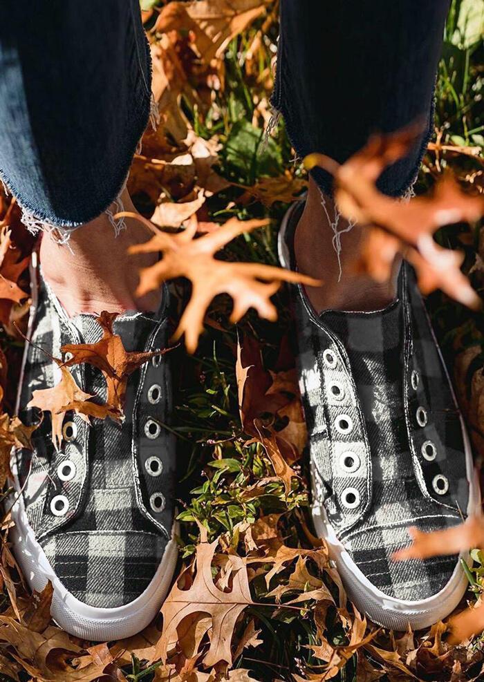 Plaid Slip-On Round Toe Flat Sneakers - White