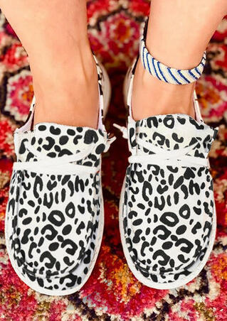 Leopard Lace Up Round Toe Flat Canvas Sneakers