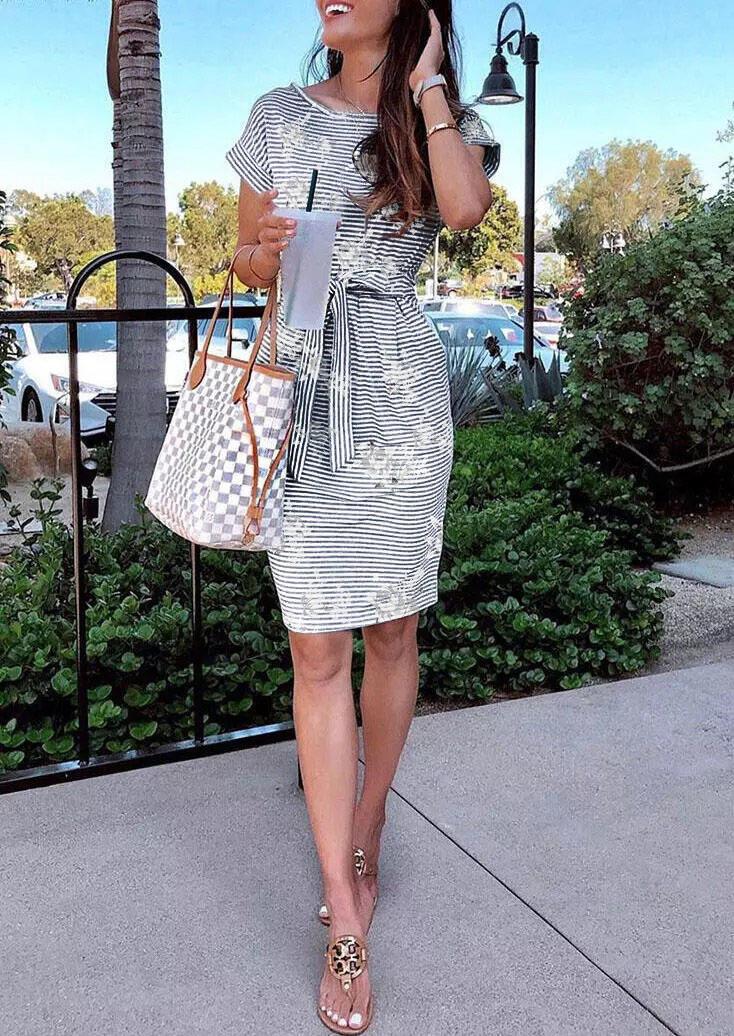 Striped Floral Pocket Tie O-Neck Mini Dress
